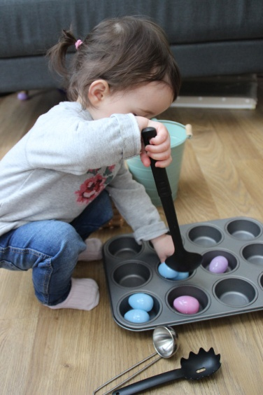 Easter-Egg-Muffin-Tin-Transfer