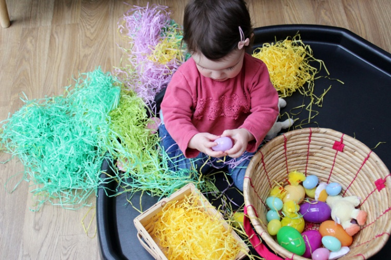 Easter-Egg-Hunt-Sensory-Basket-7