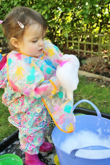 Easter-Egg-Printing-Soapy-Bubbles