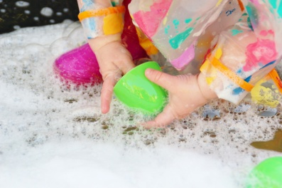 Easter-Egg-Printing-Washing-up