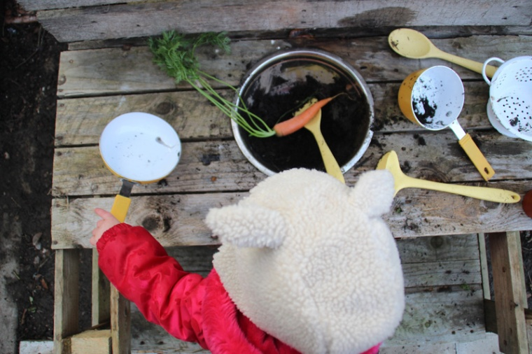 Mud-kitchen-Carrot-Soup-8