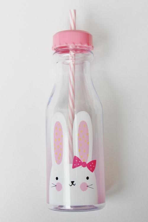 Toddler-Easter-Basket-drinks-bottle
