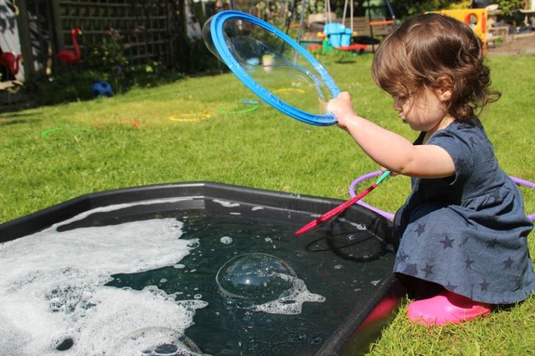 Giant-bubbles-10