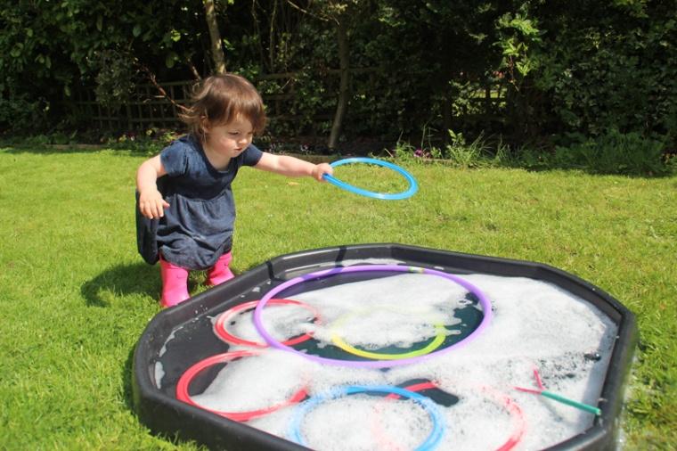 Giant-bubbles-5