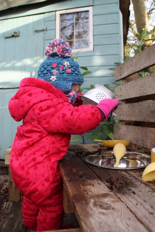 Mud-kitchen-2
