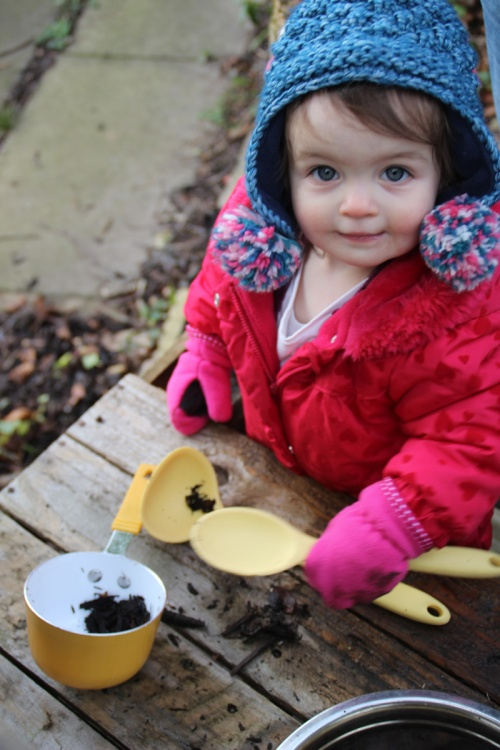 Mud-kitchen-8