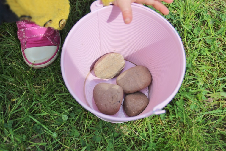 Sticks-and-Stones-Sorting-Activity-3