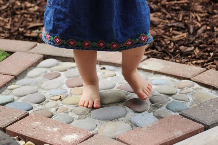 Barefoot-4