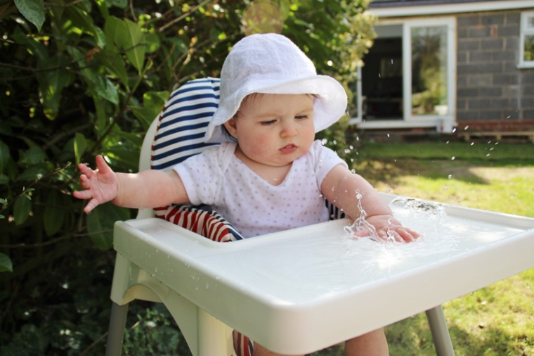 High-Chair-Water-Tray-7