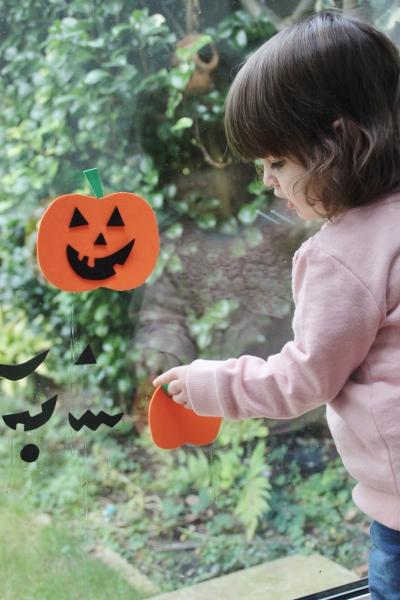 foam-pumpkin-window-stickers-6