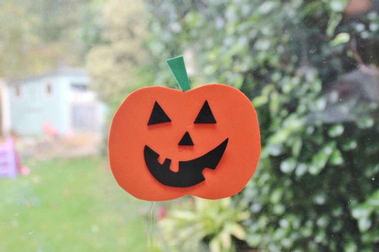 foam-pumpkin-window-stickers-7