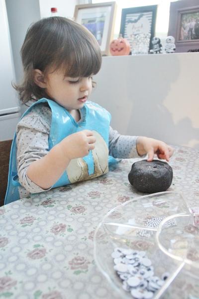 halloween-play-dough-7