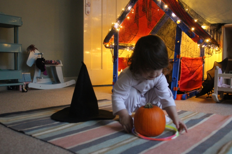 witches-hat-ring-toss-1
