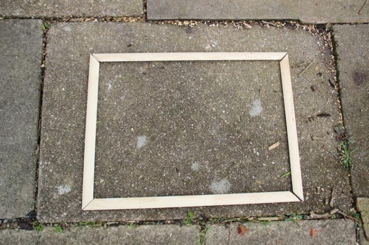 acrylic-plexiglass-perspex-outdoor-easel-DIY-13