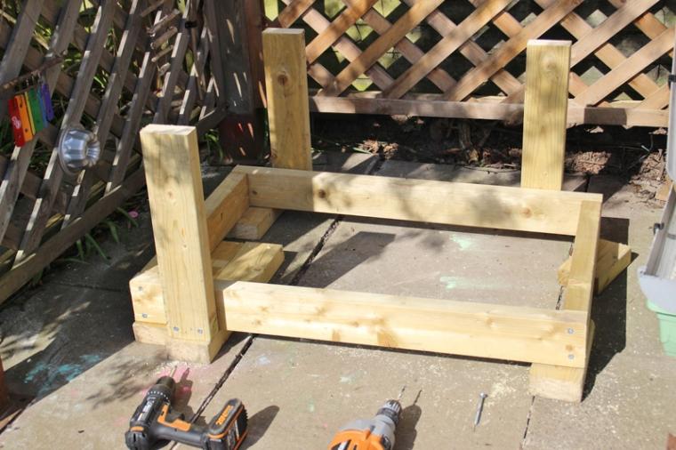 DIY-water-table-11